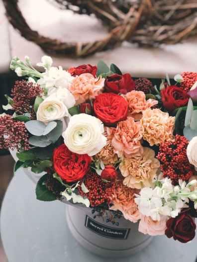 ikebana-flowers-vase